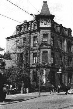 Schulhaus Hohenzollernstraße 162/164