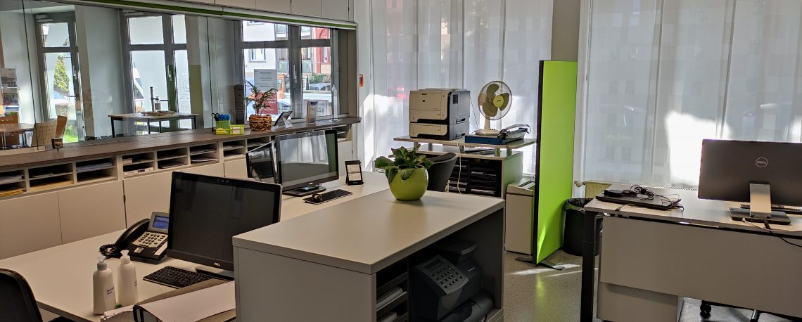 Dr. Zimmermannsche Wirtschaftsschule in Koblenz Blick in das Sekretariat