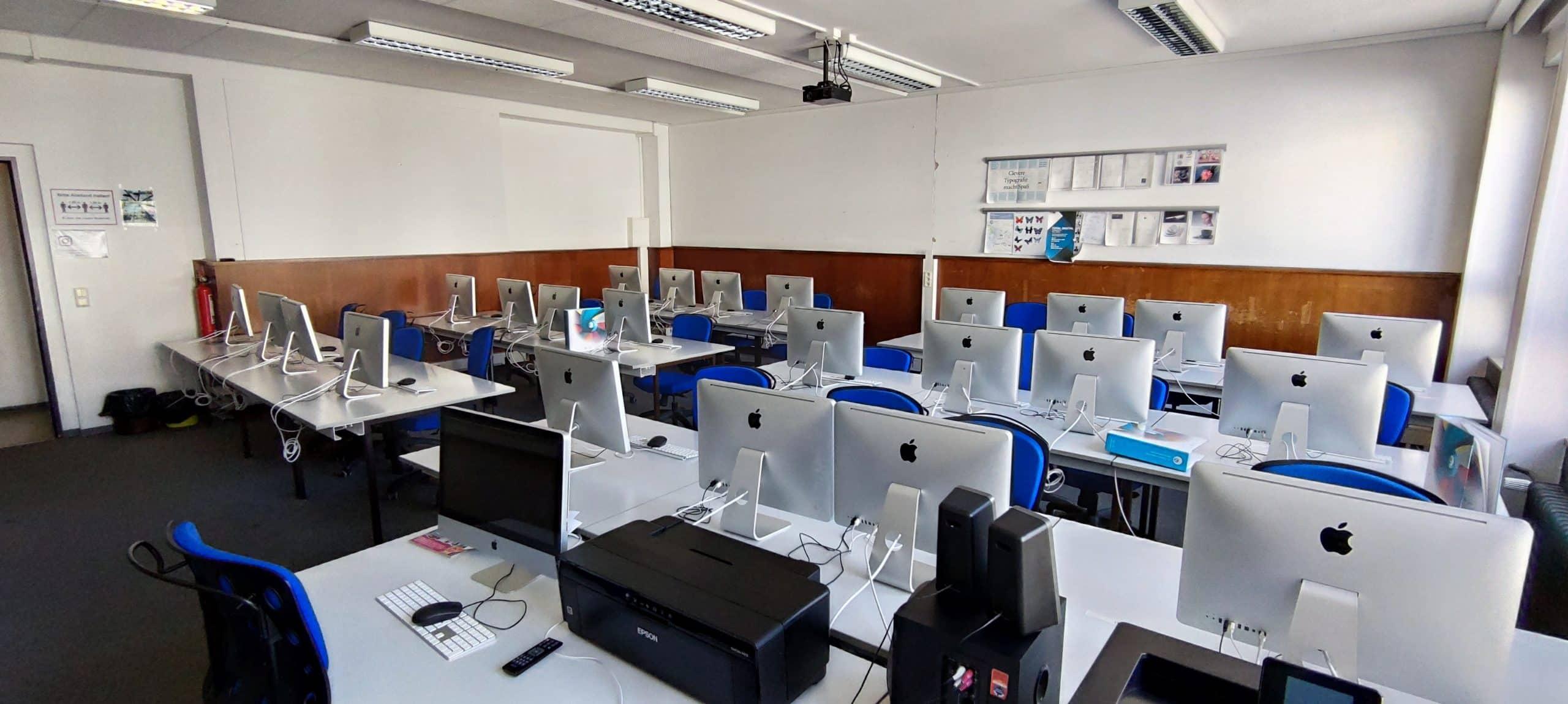 Dr. Zimmermannsche Wirtschaftsschule in Koblenz iMac-Raum aus Lehrerperspektive