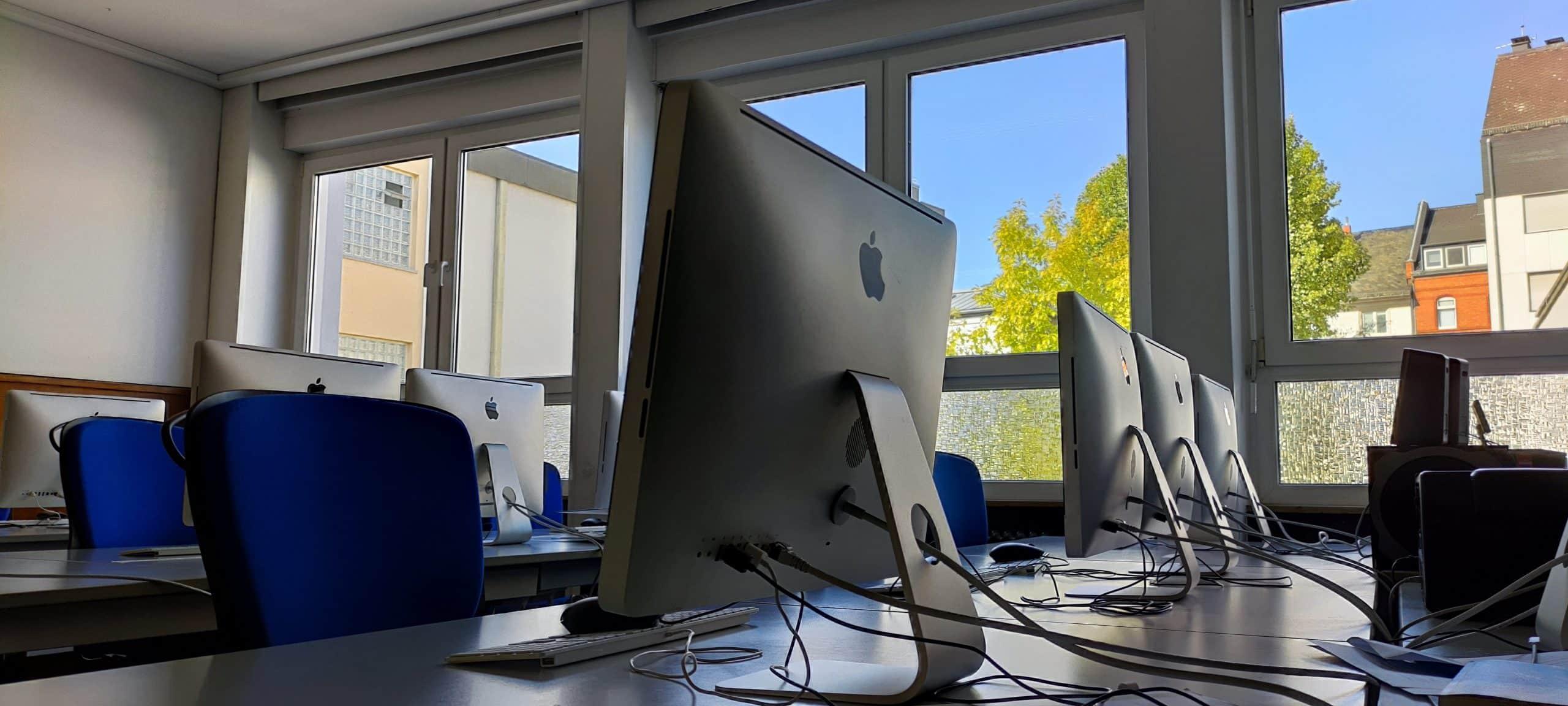 Dr. Zimmermannsche Wirtschaftsschule in Koblenz iMac-Raum